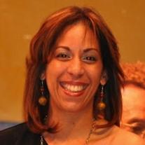"""Jael Uribe, la poeta y creadora de """"Grito de Mujer"""", Presidenta de Mujeres Poetas Internacional"""